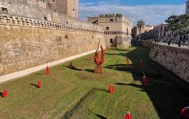 ARTE, Giuseppe Carta conquista la Puglia: quattro castelli allestiti con le sue creazioni nell'Anno del cibo
