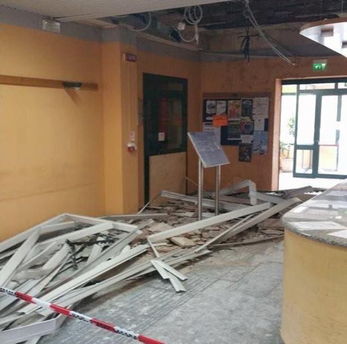 CAGLIARI, Crolli strutturali alla Casa dello studente di via Trentino. Studenti e politica contro la Regione