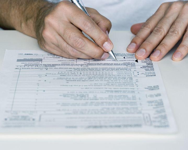 SORSO, Arrestato un consulente fiscale che truccava documenti per far ottenere permessi di soggiorno a cittadini extracomunitari