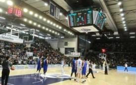 PALLACANESTRO, Cambia l'allenatore, ma Dinamo ancora sconfitta: 76-80 con Brescia
