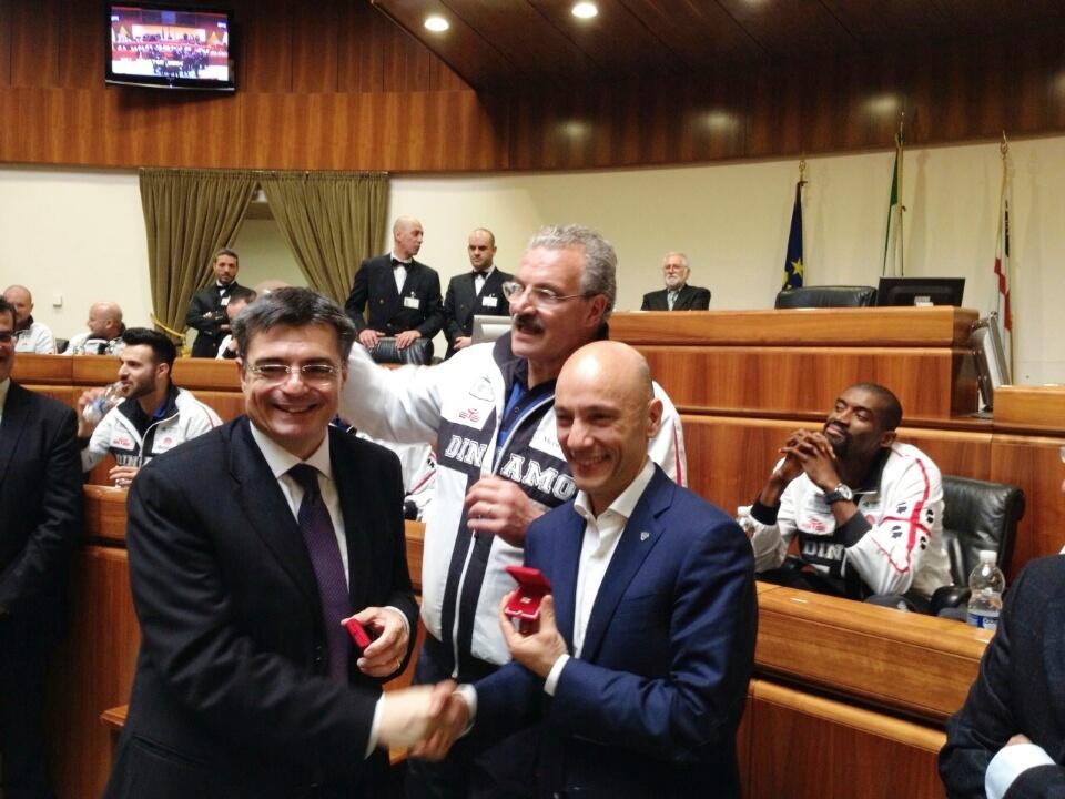 """PALLACANESTRO, Presidente Ganau accoglie la Dinamo in aula consiliare: """"Siete l'orgoglio di tutti i Sardi"""""""