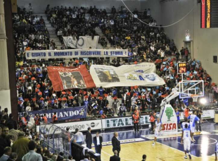 PALLACANESTRO, Con la vittoria (87-75) su Caserta, Dinamo più ottimista verso i playoff