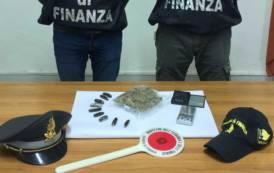 LA MADDALENA, Sbarca dal traghetto con 180 grammi di droga: arrestato un 40enne sassarese