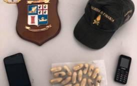 OLBIA, Sbarca da Civitavecchia con 22 ovuli di eroina in corpo: arrestato nigeriano (VIDEO)