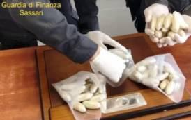 OLBIA, Sbarcati dalla nave con 81 'ovuli' di eroina: arrestata coppia nigeriana (VIDEO)