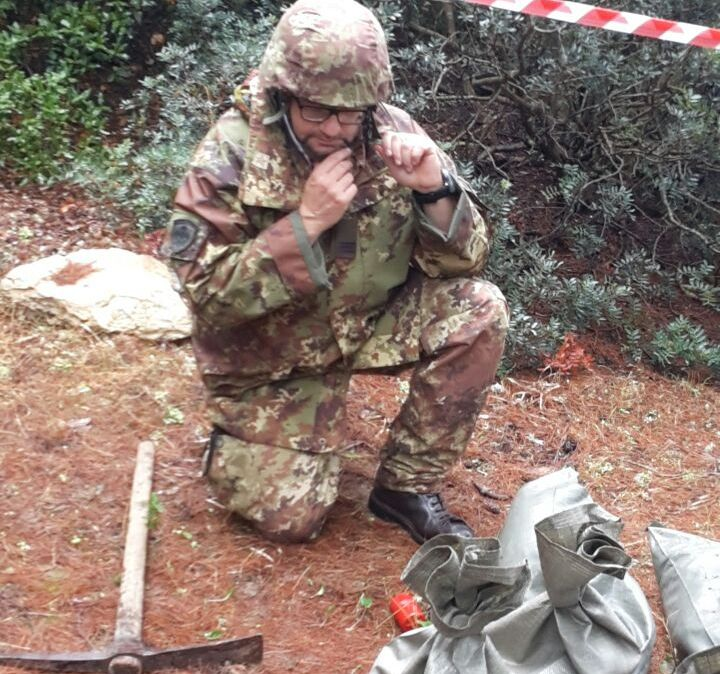 SANT'ANNA ARRESI, Artificieri della Brigata Sassari fanno brillare ordigno della 2^ Guerra mondiale nella pineta di Porto Pineddu