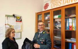 BOSA, Guardia di finanza dona alla Caritas capi di abbigliamento contraffatti e sequestrati