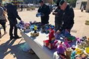 CAGLIARI, Controlli al Poetto: sequestrati 1.681 articoli di bigiotteria, 72 giocattoli e 335 cover per cellulari
