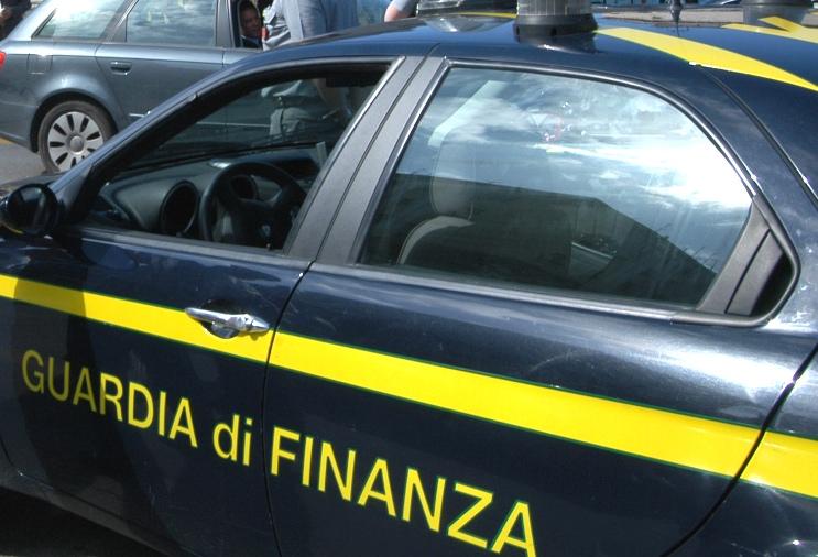 CARDEDU, Imprenditore cerca di raggirare il fisco intestando beni ai familiari: sequestro per 1,5 milioni di euro