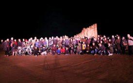 TORTOLI', Il VIDEO del flash mob alle Rocce Rosse per celebrare il Giro d'Italia