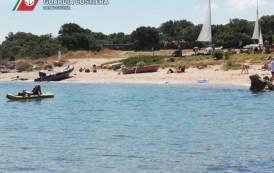 PALAU, Scuola di vela non rispettava norme su sicurezza bagnanti: sanzioni per 1.600 euro e sequestro dei mezzi