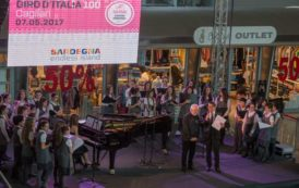 GIRO D'ITALIA, La Sardegna saluta la carovana rosa all'aeroporto di Cagliari