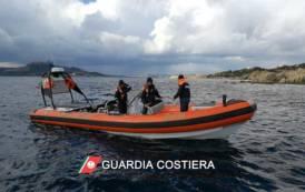 ARZACHENA, Pescavano ricci di mare a Cala Bitta: sanzione di 8.000 per due pescatori sportivi di Oristano