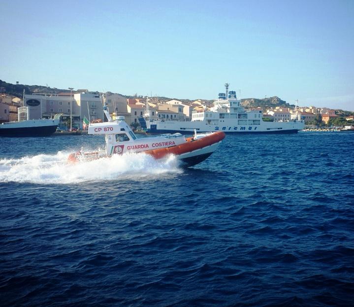 SANTA TERESA GALLURA, Salvati dalla Guardia costiera di La Maddalena 2 canoisti francesi al largo di Capo Testa