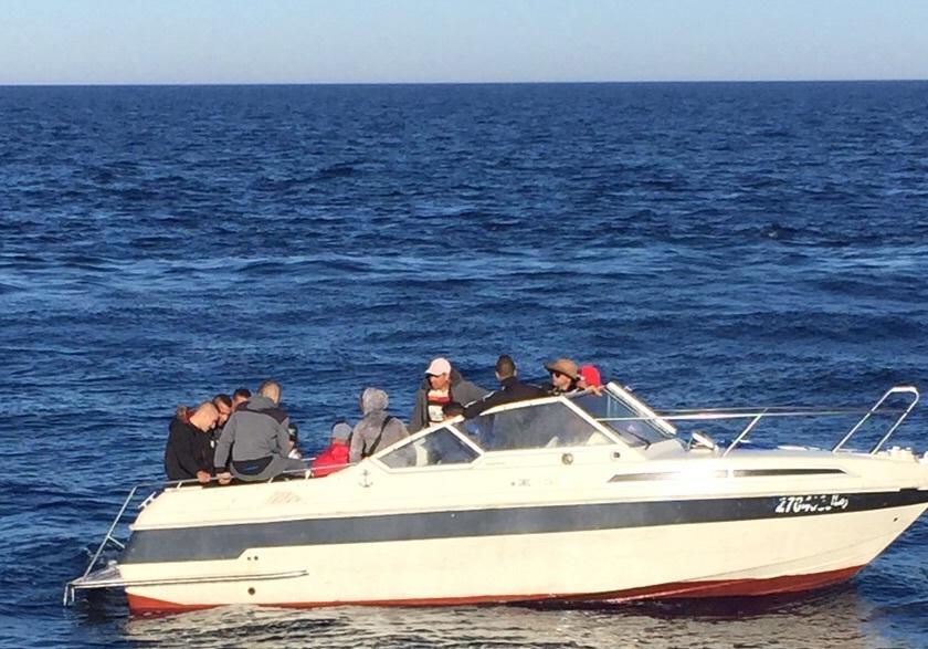 CONTROVERSO, Il bel tempo incoraggia la rotta dei clandestini verso la Sardegna