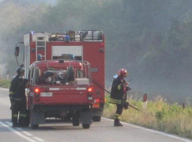 """ANTINCENDIO, Vallascas (M5s) """"Personale dei Vigili del fuoco e mezzi insufficienti per l'emergenza incendi in Sardegna"""""""
