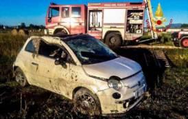 SANLURI, Auto fuori strada: morti ragazza piemontese e ragazzo sanlurese, un amico ferito
