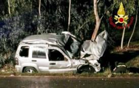 SARROCH, Auto si ribalta e finisce in cunetta sulla 195: trauma cranico per il guidatore