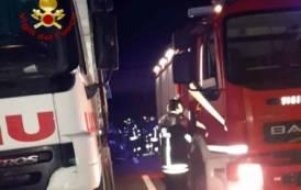 SILIQUA, Tampona un camion sulla 130: morto il conducente di un'auto (VIDEO)