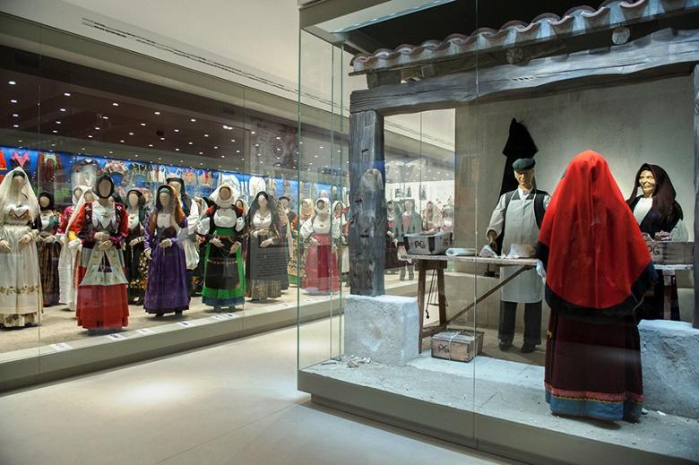 """NUORO, Inaugurato il Museo del Costume. Murgia """"L'Isre è la casa dei Sardi e della loro identità"""""""