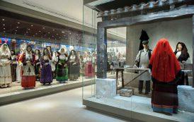 """NUORO, La """"Processione del Redentore"""" di Briscas Brau al Museo del Costume"""