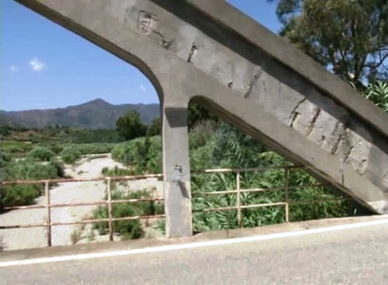 """JERZU, L'opposizione consiliare contro la demolizione del ponte San Paolo: """"Si tratta di un bene storico"""""""