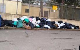 """MONASTIR, Arrivano centinaia di algerini e tornano rifiuti in strada. Sap scrive al Questore: """"Serve immediato intervento"""""""