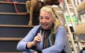 """EDITORIA, """"Animali come noi"""": Monica Pais in giro per l'Italia a raccontare la storia di Palla e di altri 'amici' dell'uomo"""