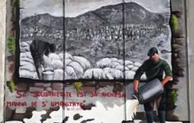 LODE', Quattro artisti dipingono un murale di solidarietà coi pastori sardi