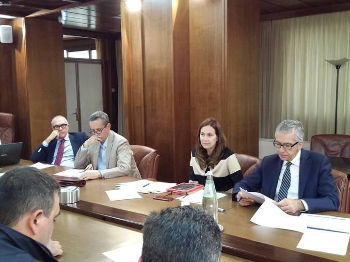 RETE STRADALE, Firmato accordo di programma per la 554 tra Regione, Anas e sindaci:via incroci a raso e semafori