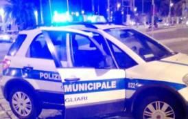 CAGLIARI, Cade dal motorino e batte la testa in viale Merello: ricoverato 44enne di Quartucciu