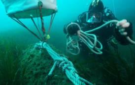 VILLAPUTZU, Palombari della Marina neutralizzano bomba di profondità nelle acque di Porto Corallo (IMMAGINI/VIDEO)