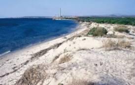 PORTOSCUSO, Precipita ultraleggero nel mare a Punta s'aliga: due morti