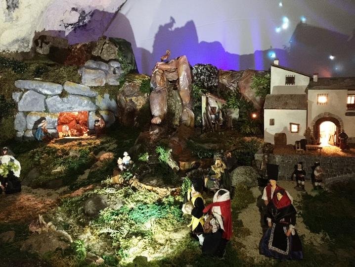 CAGLIARI, Presepe sardo nella grotta dell'ospedale San Giovanni di Dio: sotterranei aperti al pubblico
