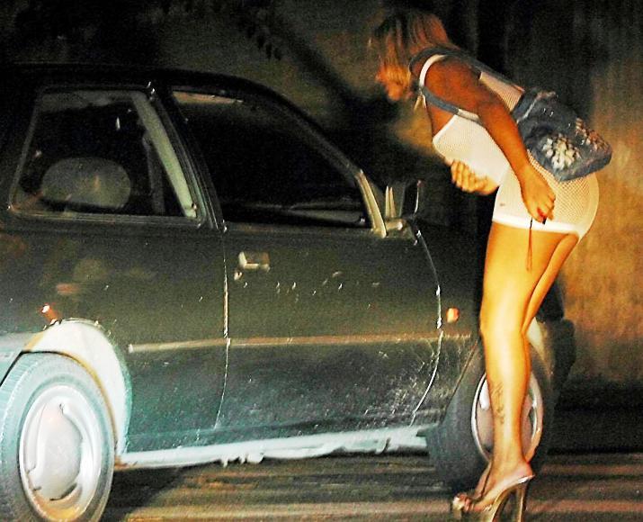 CAGLIARI, Arrestati due rumeni latitanti per sfruttamento della prostituzione