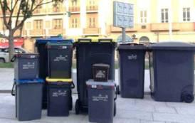 Le assurdità del 'geniale' porta a porta di Cagliari (Andrea Coco)