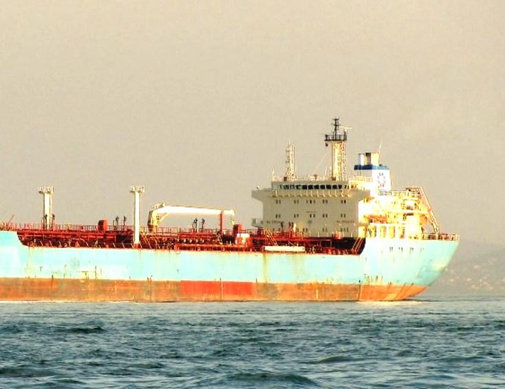 SARROCH, Questo pomeriggio, petroliera cipriota sbarcherà 82 immigrati soccorsi in mare