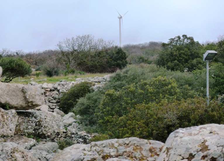 """SERRI, Deliperi (Grig): """"Il santuario nuragico di Santa Vittoria assediato dalle pale eoliche?"""""""