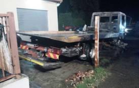 TORTOLI', Attentato incendiario nell'Autocarrozzeria Loi: bruciati due mezzi