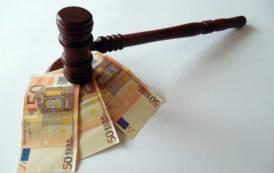 ARSENICO, Accoglienza come business: quando l'avvocato prima accoglie e poi patrocina in Tribunale