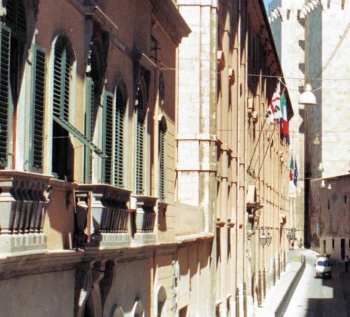 """UNIVERSITA', Fratelli d'Italia: """"Classifica Sole24ore, Cagliari precipita. Baroni bocciati"""". Rettore Del Zompo: """"Ogni testata ha risultati diversi"""""""