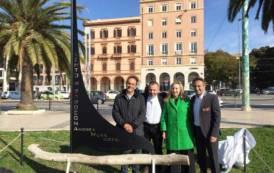 CAGLIARI, Al Porto una vela in ferro dello scultore Ziranu dedicata allo skipper Andrea Mura