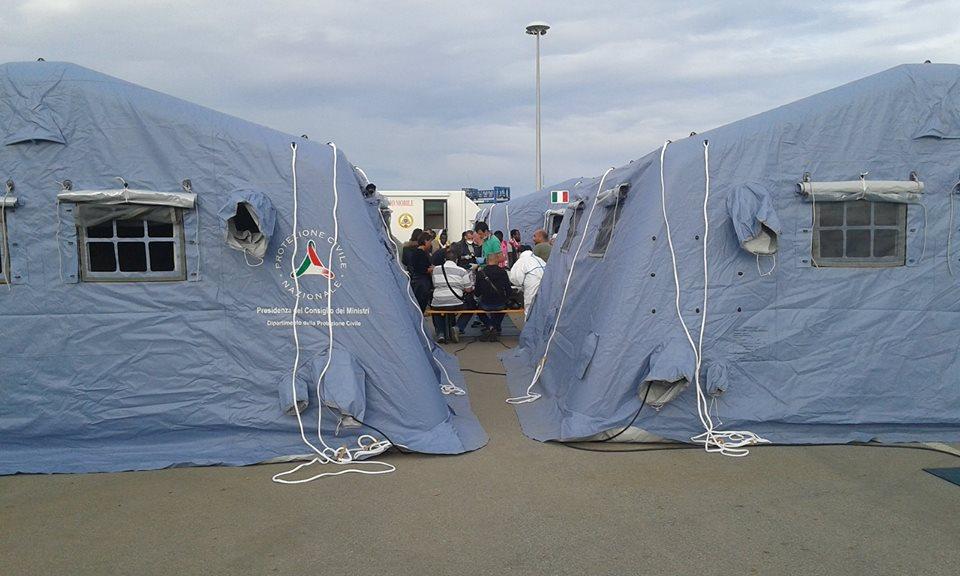 """CAGLIARI, Tra i 456 immigrati arrivati oggi, 87 sono in isolamento per la scabbia. Nizzi (FI): """"Non siamo il ricettacolo di navi straniere"""""""